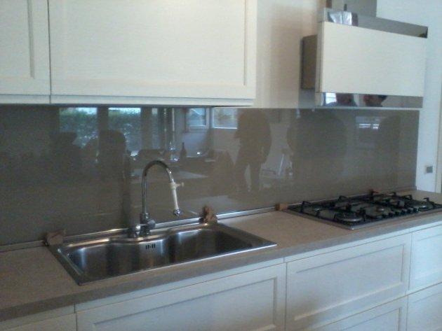Schienale cucina retroverniciato grigio 1 vetri - Schienale cucina in vetro temperato ...